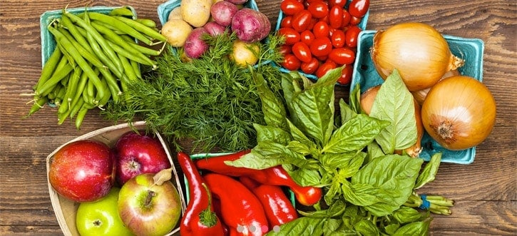 , Raw Foods Vs. Cooked Foods How to Combine them for A Cleansing Diet Without the Bloat